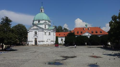Warszawa – Rynek Nowego Miasta 2 – kościół św. Kazimierza Królewicza, obok klasztor Sióstr Sakramentek