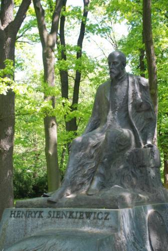 Pomnik Henryka Sienkiewicza w Parku Łazienkowskim