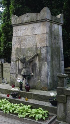 """Cmentarz Powązkowski Stare Powązki).- grób Bolesława Prusa """"Serce Serc"""""""