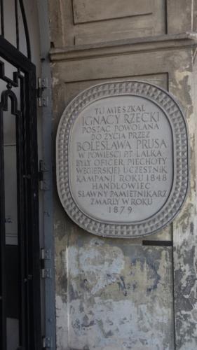 ul. Krakowskie Przedmieście 7 – tablica upamiętniająca dom powieściowego Ignacego Rzeckiego