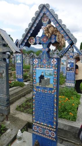 Wesoły Cmentarz w rumuńskiej wsi Săpânța