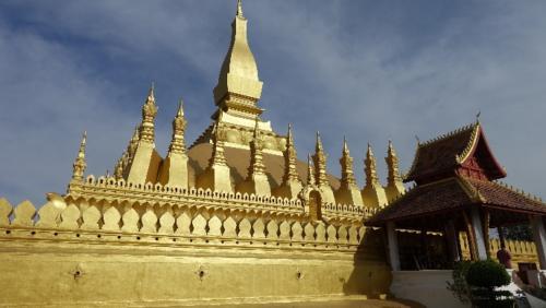 Vientian - Stupa Pha That Luang - Złota Świątynia – pokryta złotem – uważana zanajważniejszy zabytek wkraju