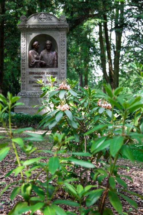 Pomnik nagrobny nadburmistrza Szczecina Hermana Hackena i jego żony. Cmentarz Centralny