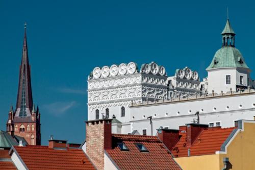 Wieża katedralna i fragment Zamku Książąt Pomorskich