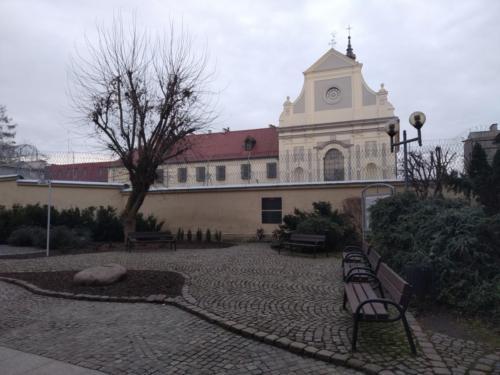 Dawny kościół iklasztor Reformatów wGrudziądzu, obecnie zakład karny. (aut. Marcin Gorączko)