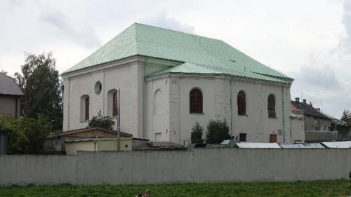 Chmielnik – widok synagogi odstrony cmentarza
