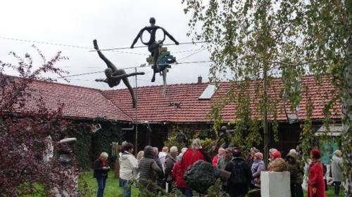 Poczesna – rzeźby artysty naterenie jego prywatnej pracowni