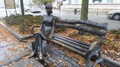 Ławeczka Haliny Poświatowskiej (1935-1967)